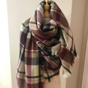 Oversized square scarf in check